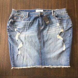 NWT Torrid Distressed Mini Skirt